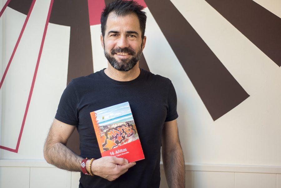 Comenta con Nacho su apasionante novela de tertulia en el café