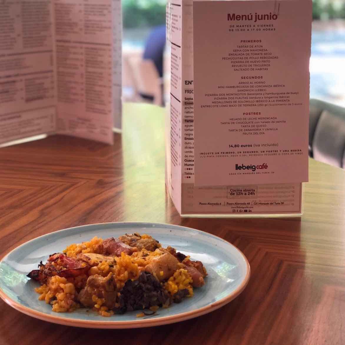 Tienes menú de mediodía en el Llebeig Café de Gran Vía