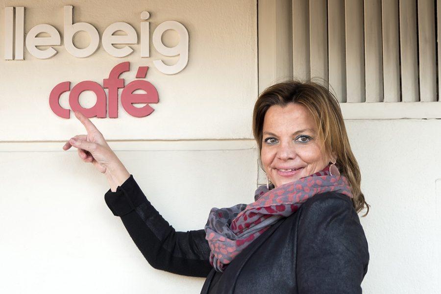 Vuelve a asegurar tus pasos con María José. Networking de café